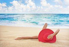 woman-laying-on-the-beach-monica-and-michael-sweet.jpg (900×621)