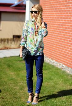 love floral blouses and chunky necklaces!