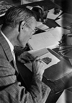 Hermann Hesse writing  © Fondazione Hermann Hesse Montagnola