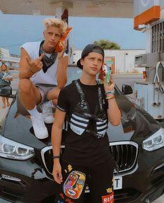 Martínez Twins 🔥❤ Martenez Twins, Emilio, Twin Brothers, Cute Tumblr Guys, Sexy Guys, Girlfriends, Display, Celebs, Backgrounds