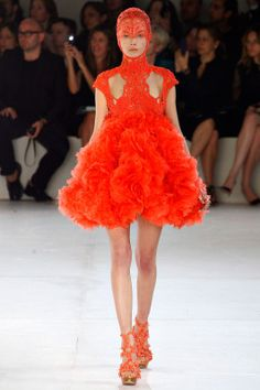 Fashion inspiration: Sea creatures in Alexander McQueen's Spring/Summer 2012 | EDELSCOPE.COM