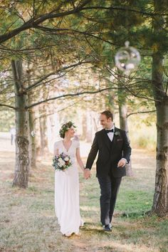 Sweet rustic fall wedding: http://www.stylemepretty.com/little-black-book-blog/2016/05/25/sweet-diy-details-rustic-barn-wedding/ | Photography: Alexandra Meseke - http://alexandrameseke.com/