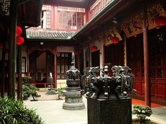 #QueHacerEnShanghai - Visita el Templo del Buda de Jade: Es un templo budista de la ciudad de Shanghái en la República Popular China. El templo original fue construido en el año 1882 y contiene dos estatuas de Buda realizadas en jade.