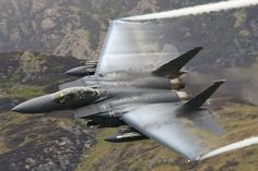 GREAT MILITARY JET PHOTOS - GREAT LOOK DOWN SHOT OF F-18 VAPOR FORMING OVER WINGS!