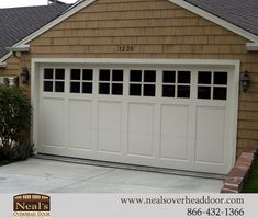 16 Trendy Home Exterior Design Craftsman Garage Custom Garage Doors, Craftsman Garage Door, Garage Door Windows, Garage Door Design, Custom Garages, Craftsman Exterior, House Doors, Craftsman Style, Garage Exterior