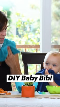 Baby Sewing Projects, Sewing For Kids, Sewing Hacks, Diy Projects, Diy Baby Gifts, Baby Crafts, Baby Bibs Patterns, Towel Crafts, Diy Crafts Hacks