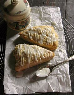 Lime & Ginger Cream Scones with Sweet Lime Glaze via Une Gamine dans la Cuisine #recipe