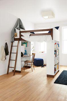 Moda loft with desk space
