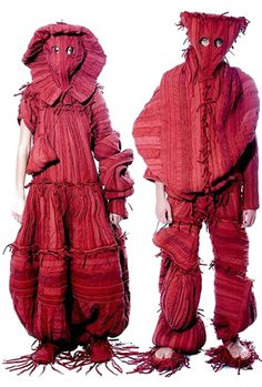 If you've ever envied the scarecrow's wardrobe, one of these outfits is for you! They look fresh from the garden in Tomato Blush Red. (Rozalb de Mura)