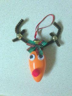 Light bulb reindeer