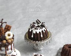 Chocolate Oreo Bundt Cake with White Drizzle in Dollhouse Miniature Cake Petit D'Licious on Etsy Decadent Chocolate, Chocolate Oreo, Chocolate Sponge Cake, Great British Bake Off, Fake Food, Oreo Cookies, Miniature Food, Mini Cakes, How To Make Cake