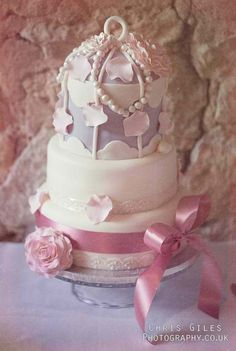 Very lovely wedding cake..
