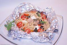 spaghetti al cartoccio con tonno e mozzarella