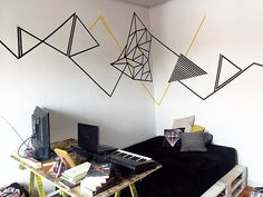Tape Art: Inside This Trend 6 Environments Tape Art, Tape Wall Art, Diy Wall Art, Wall Painting Decor, Tape Painting, Washi Tape Dorm, Small Home Gyms, Design Tape, Bedroom Wall Designs
