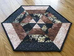 Freemotion by the River: Octagon Centerpiece - simple table topper to practice free motion quilting on