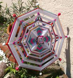 24 mandala tejido hilado arte  colgante de por MandalaMoonShop