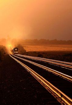 ton train on glowing rails at sunset - Creston, Illinois Train Tracks, Train Rides, Train Trip, Locomotive, Ouvrages D'art, Bonde, U Bahn, Old Trains, Roller Coaster
