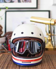 Retro all the way. Check out my review of Barstow goggles on www.sideroist.com…