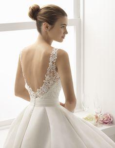 Bitacora: Arriving Soon Classy Wedding Dress, Wedding Dress Types, Wedding Girl, Wedding Dress Chiffon, Long Wedding Dresses, Perfect Wedding Dress, Wedding Attire, Bridal Dresses, Wedding Gowns