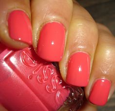 "Essie - ""Peach Daiquiri"", 2 couches, flash"
