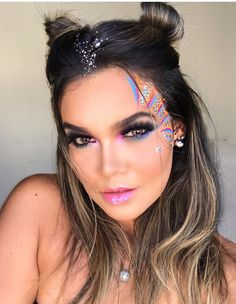 123 best ideas for makeup glitter halloween beauty – page 6 Make Carnaval, Costume Carnaval, Maquillage Halloween, Halloween Face Makeup, Coachella Make-up, Make Up Geek, Music Festival Makeup, Rave Makeup, Eyeliner Hacks