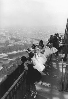 dancers on the eiffel tower // paris 1929