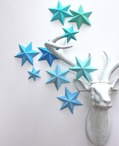Cheap ideas for making home decorations while recycling paper, fabrics, leather, wood and plastic, offer a wonderful hobby that turns clutter into treasure. Today landfills are becoming over filled with household items. Recycled crafts and handmade home decorations that recycle metal cans, CD disks,