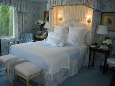 Maison Decor: Betsy Speert~a chat with the designer-- Betsy Speert's blue and white bedroom