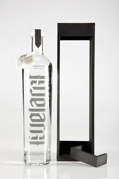 LiveLarge Vodka (Student Project) on Packaging of the World - Creative Package Design Gallery