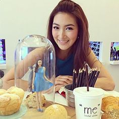 The 3D-Printed Selfies of the Thai and Famous