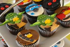 Cupcakes - fondant toppers