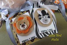 Para os pirulitos de chocolate fizemos tags com estampas e aplicação dos animais em feltro. http://littlebirdatelie.blogspot.com.br