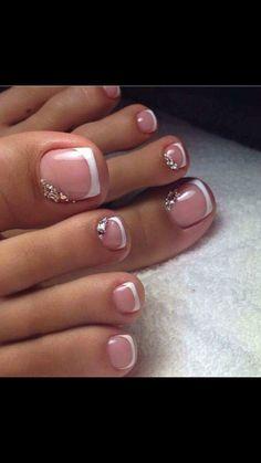 Loovveeee this! Pretty Pedicures Toe nail art French tip with rhinestones Pretty Pedicures, Pretty Toe Nails, Cute Toe Nails, Pretty Toes, Gel Toe Nails, Stiletto Nails, Acrylic Nails, Toe Nail Color, Toe Nail Art