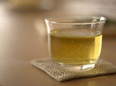 Chá de capim cidreira reduz o inchaço e melhora o sono - Bolsa de Mulher