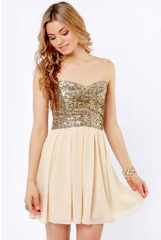 Emulate the look of the stars with the TFNC Emma Strapless Gold Sequin Dress! 8th Grade Dance Dresses, 8th Grade Graduation Dresses, Graduation Ideas, Pretty Dresses, Beautiful Dresses, Amazing Dresses, Homecoming Dresses, Bridesmaid Dresses, Sequin Bridesmaid