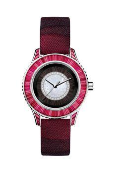 La montre Dior Pièce Unique http://www.vogue.fr/joaillerie/le-bijou-du-jour/diaporama/la-montre-dior-piece-unique/9313