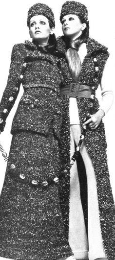 1969, Vogue. Pattie & Twiggy by Justin De Villeneuve