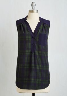 Girl About Scranton Tunic in Green Plaid From the Plus Size Fashion Community at www.VintageandCurvy.com