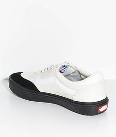 09a56e767e Vans Crockett 2 White   Black Skate Shoes