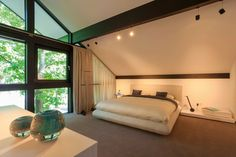 Modern Timber House with Glass Facade by Huf Haus, Germany Style At Home, Bali House, Modern Interior, Interior Design, Bauhaus Style, Glass Facades, Timber House, Dining Table Design, Decoration
