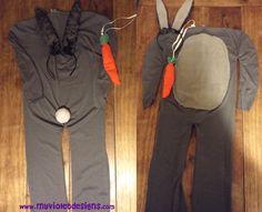 Disfraz de conejo gris, entero con orejas, panza, colita y zanahoria. myvioletdesigns.com