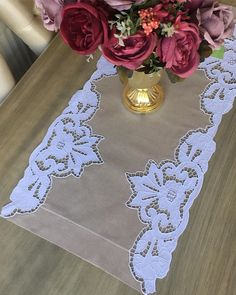 Cutwork Embroidery, Embroidery Designs, Pakistani Fashion Party Wear, Jute Crafts, Handbag Patterns, Cut Work, Baby Shower Parties, Table Runners, Crochet