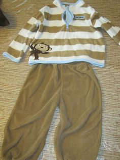 Carter's Fleece Monkey Outfit size 24 Months $5.00