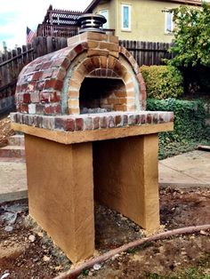 Pizza ovens are expensive! Save hundreds on your brick oven with a low-cost and DIY-EZ outdoor pizza oven. Our pizza oven kits & plans save you money! Best Outdoor Pizza Oven, Diy Pizza Oven, Outdoor Oven, Pizza Ovens, Outdoor Pergola, Outdoor Kitchen Patio, Outdoor Kitchen Design, Outdoor Kitchens, Wood Fired Oven