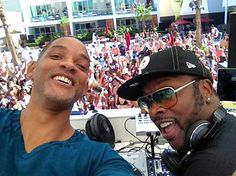 Summertime! Fresh Prince fans in Las Vegas got a special treat this weekend when Will Smith reunited with DJ Jazzy Jeff for a special performance at the Palms Casino Resort pool party!