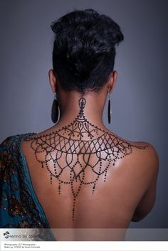 #HennabyJorietha #Henna #Mehndi #HennaPretoria #MehndiPretoria #HennaSouthAfrica #HennaAfrica #hennahand #hennafeet #hennaback #hennabody #MoroccanHenna #FloralHenna #HennaInspiration #HennaSimple #Hennadetail #BridalHenna #BridalMehndi #WeddingHenna #WeddingMehndi Body Art Tattoos, Tribal Tattoos, Small Tattoos, Tatoos, Intim Tattoo, Back Henna, Muster Tattoos, Delicate Tattoo, Neue Tattoos