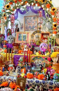 345 Best Mexican Decorated Graves And Altars Images In 2019 Day Of