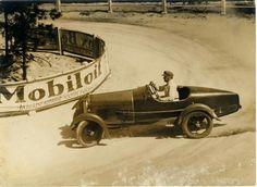 1927. Autoverseny  János hegyen.