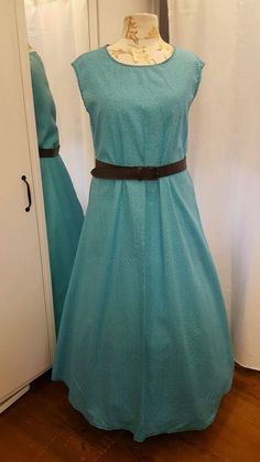 ÜBERKLEID Mittelalter Kleid Gewand LARP Gr.46 48 50 Baumwolle hellblau                                                                                                                                                                                 Mehr