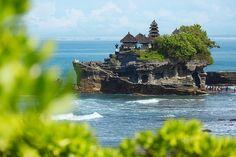 Pura Tanah Lot temple. Bali.